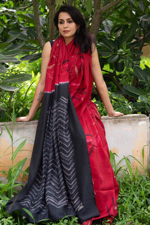 2up 2down-Hand crafted Silk Embroidered Shibori Sari-22