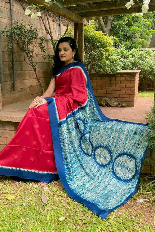 Buy 2up 2down Hand Embroidered Handcrafted Red & Indigo Banglore Silk Saree Online