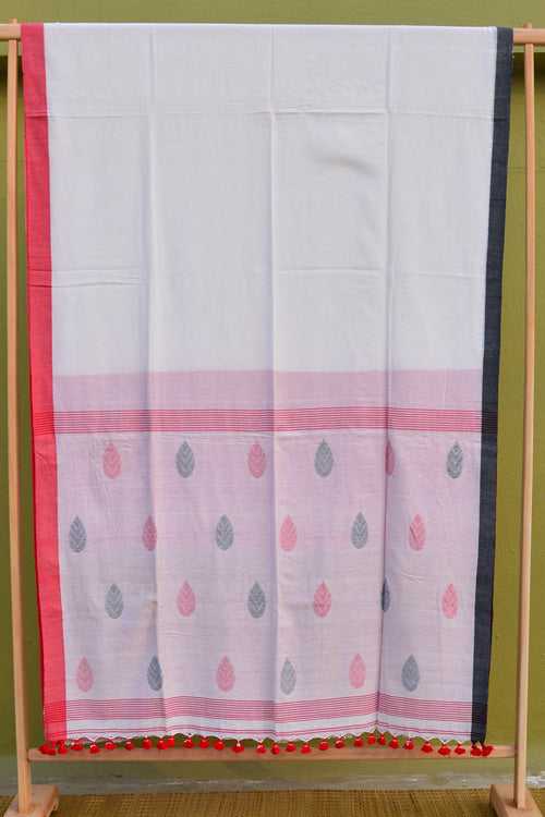 Tant Vastra' Bengal Traditional Jamdani Design Cotton White-Red Saree