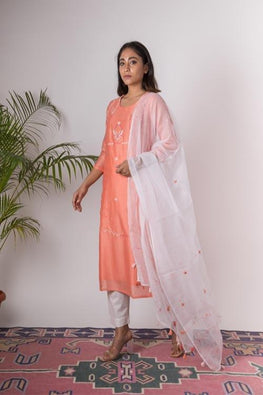 Urmul 'Tulip'Hand Embroidered Salmon chanderi kurta . 2pc set (kurta and dupatta)