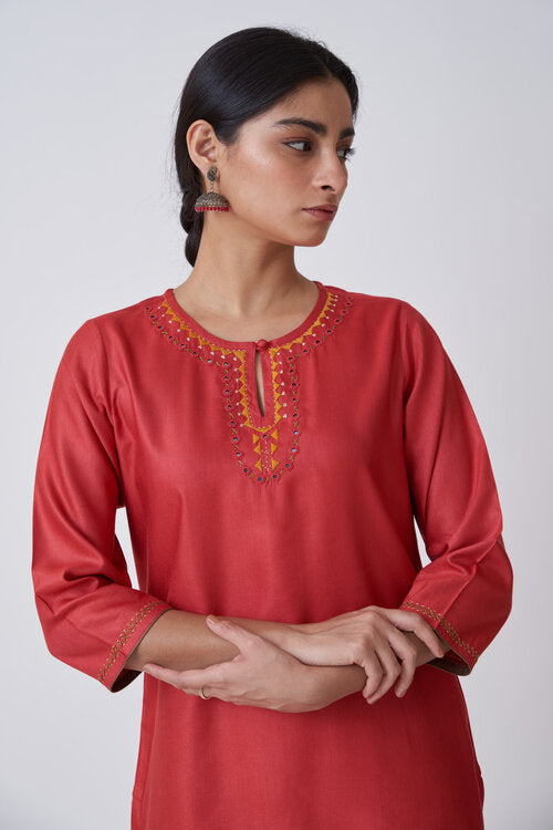 Tomato Red Potli Button Keyhole Neckline Embroidered Kurta