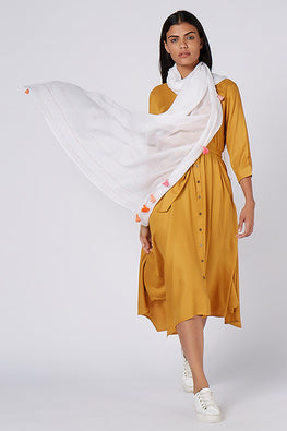 Okhai 'Breezy Mul' Pink-Orange Tassel White Dupatta