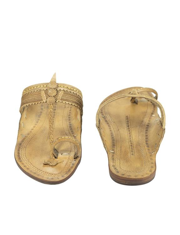 Kalapuri Handcrafted Natural Vegetable Tanned Leather Kolhapuri Chappal in Natural Color.