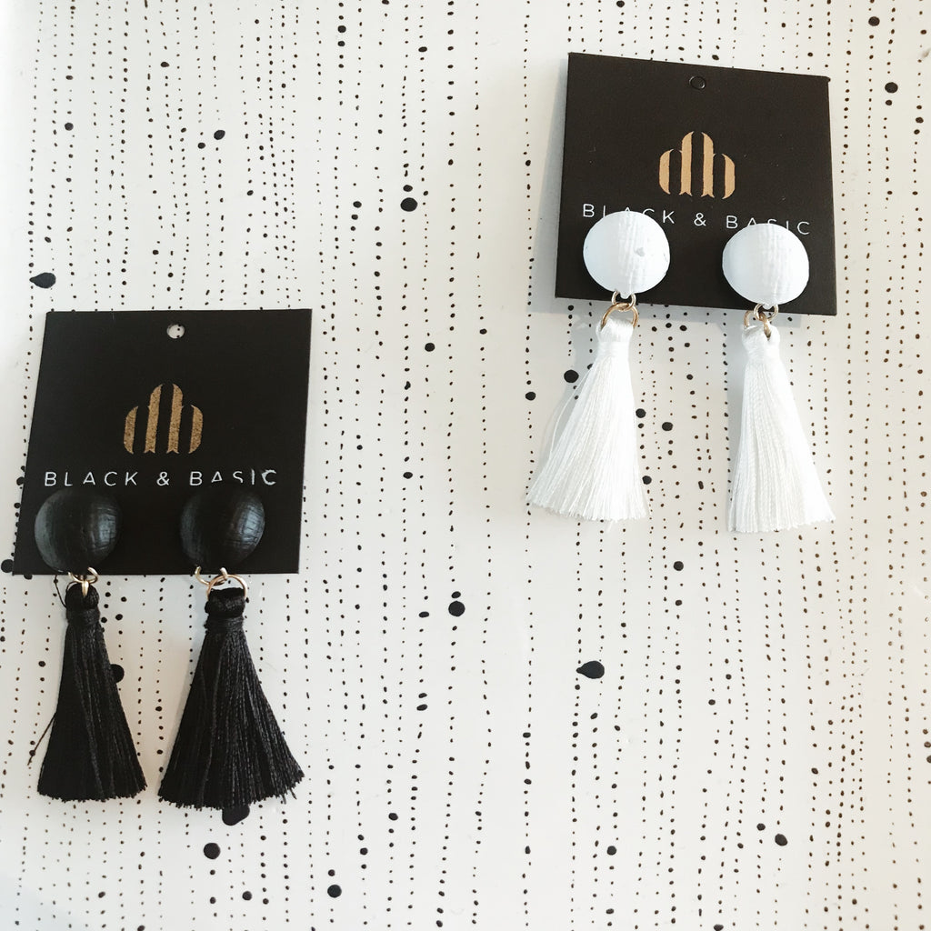 Tassel buttons white - earrings