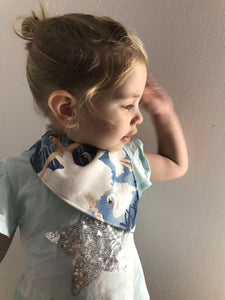 SWAN LAKE Organic Cotton Bandana Bib
