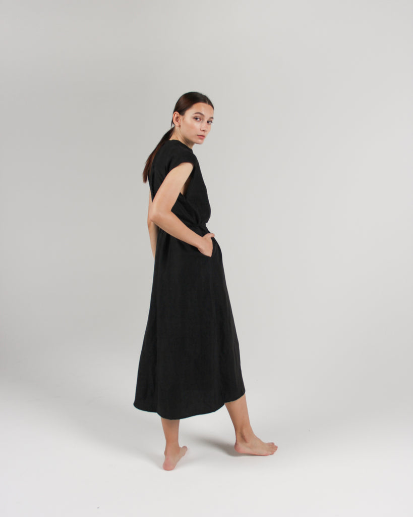 The Cap Sleeve Caftan Dress in Jet Black