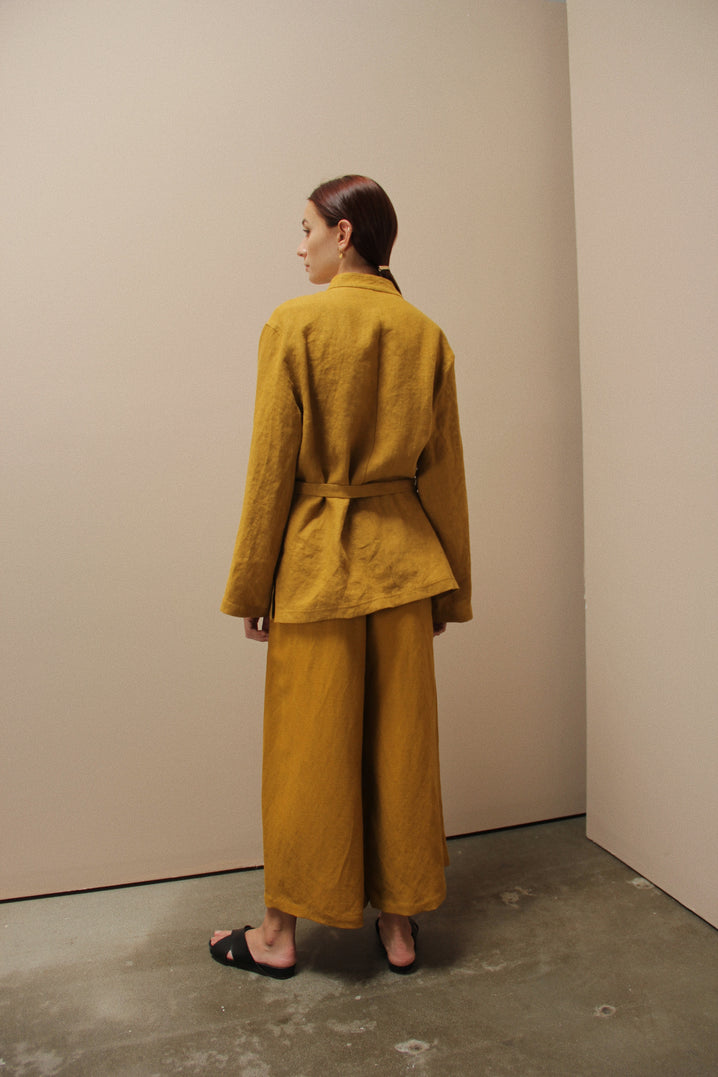 The Relaxed Jacket in Mustard