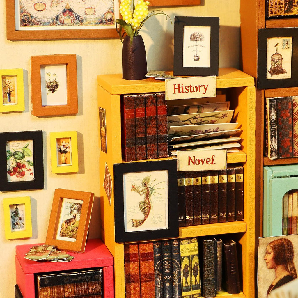Bookshop DIY House
