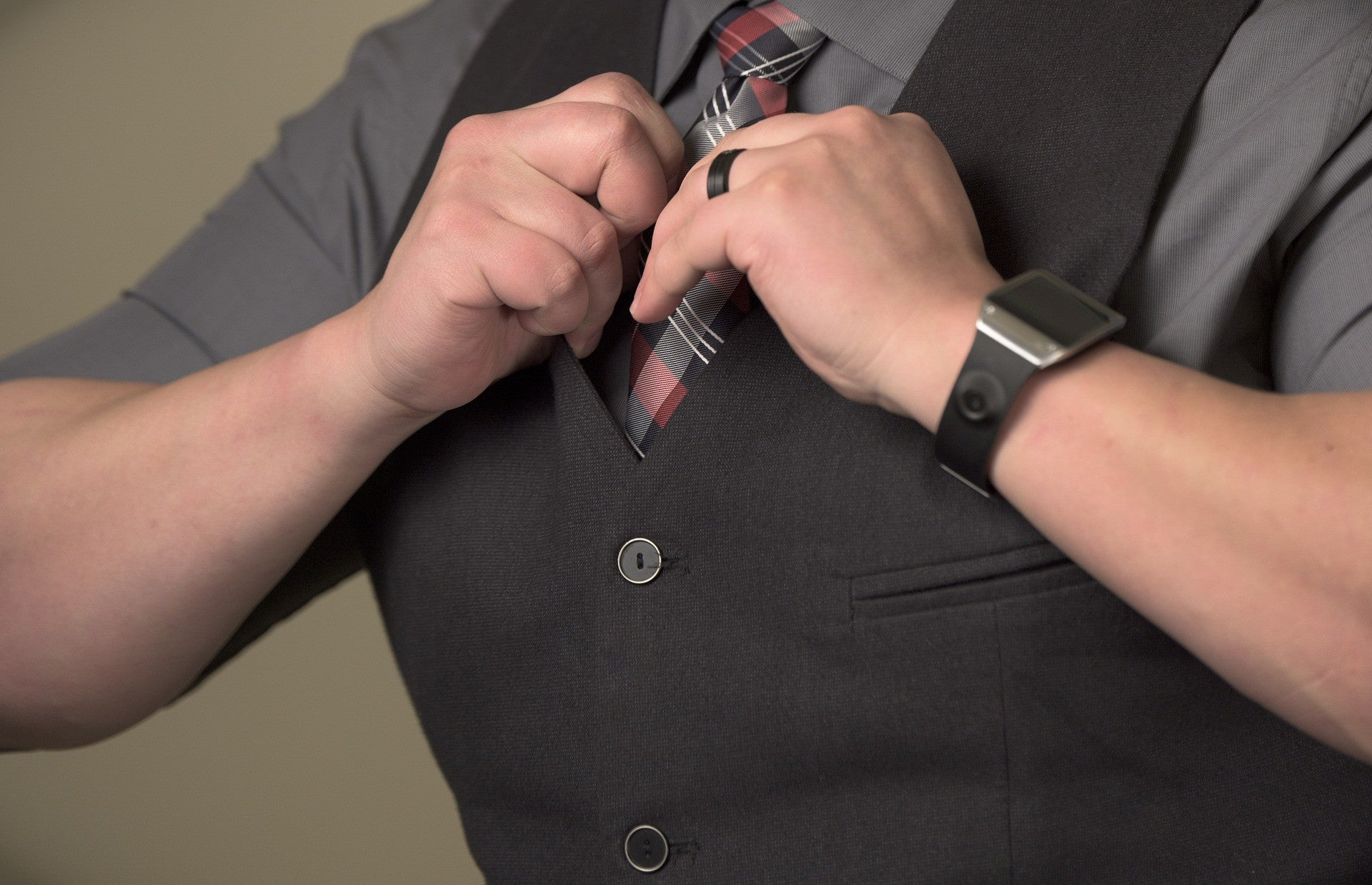 Tips and Guidelines in choosing a Man's dress watch