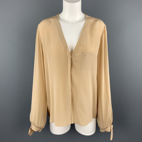 CHLOE Size 8 Beige Silk Crepe V Neck Bow Cuff Blouse
