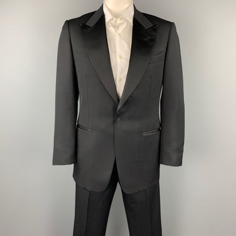 TOM FORD Size 40 Regular Black Wool / Mohair Peak Lapel Tuxedo Suit