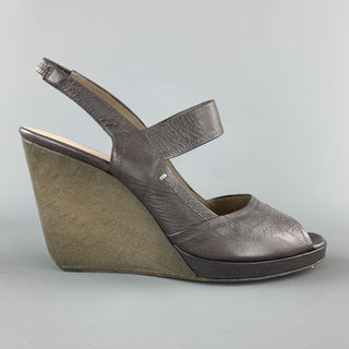 CoSTUME NATIONAL Size 7.5 Grey Wedge Slingback Sandals