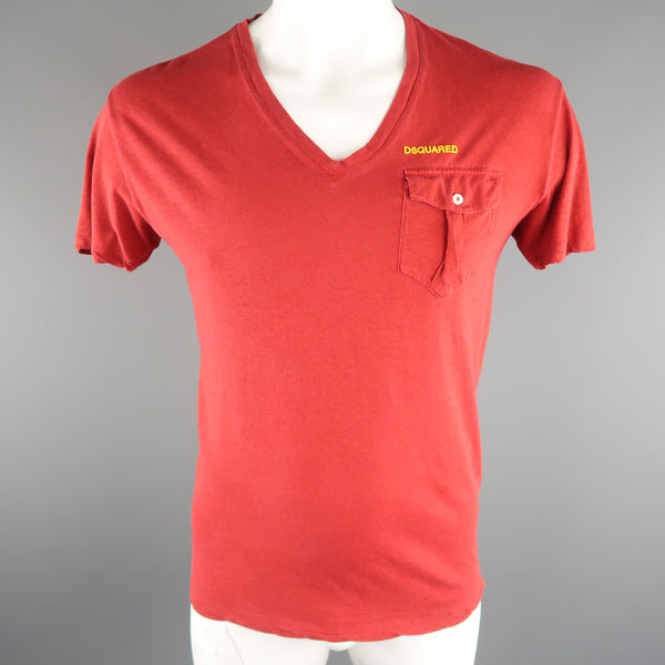 DSQUARED2 Size M Red Solid Cotton / Linen V-neck T-shirt - Sui Generis Designer Consignment