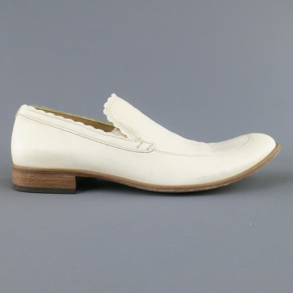 EMPORIO ARMANI Size 9 Off White Leather Scalloped Loafers