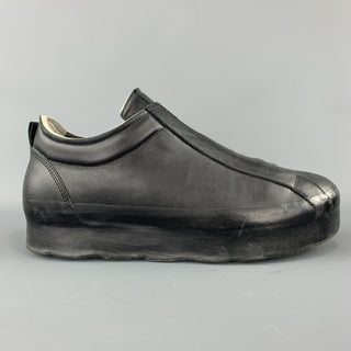 O.X.S. RUBBER SOUL Size 10 Black Leather Slip On Sneakers