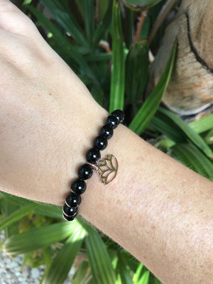 Onyx - Gemstone Bracelet With Rose Gold Charm - Love Tee
