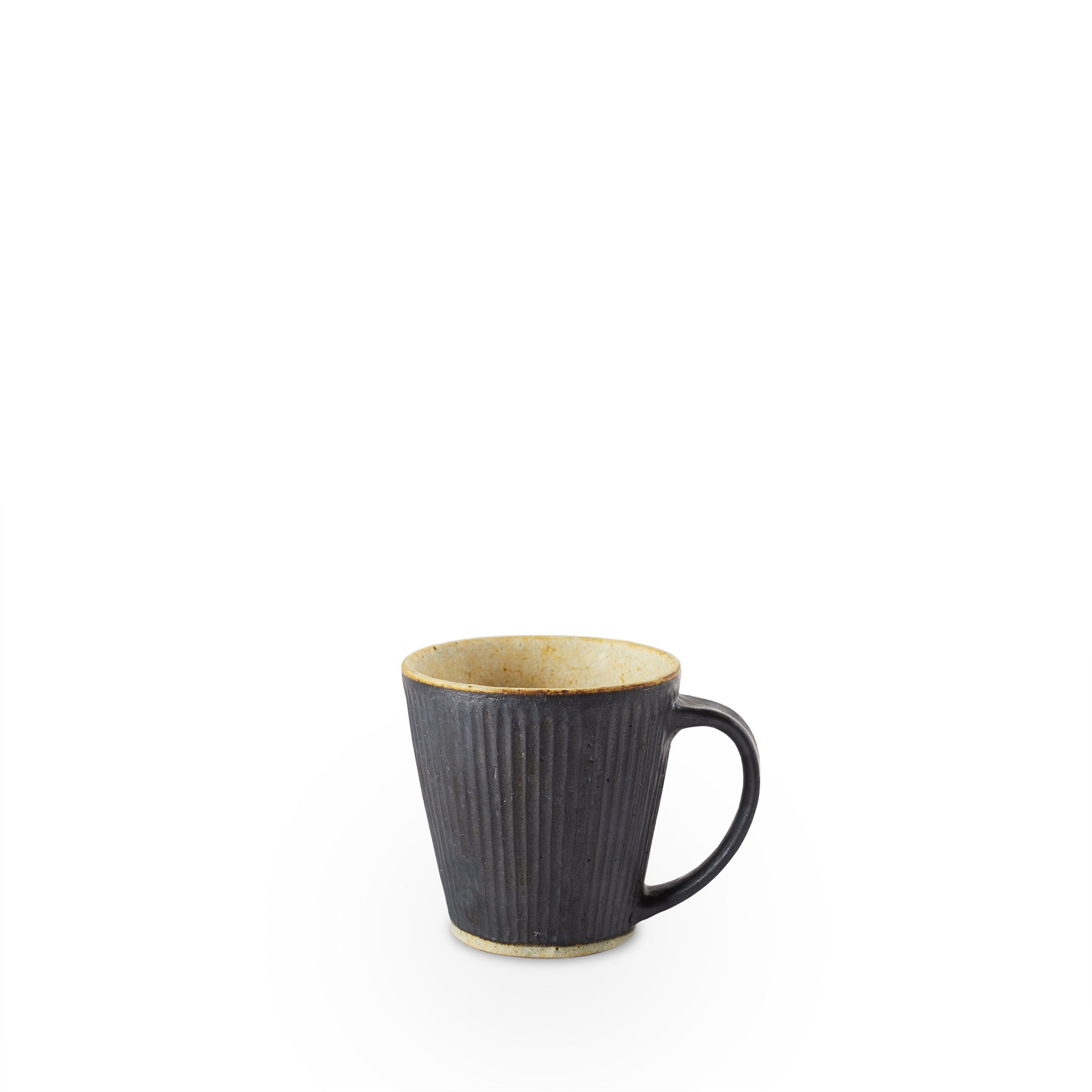 #66 Pleated Mug with Handle in Black Zoom Image 1