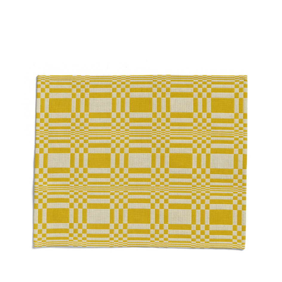 Doris Placemat in Yellow Image 1