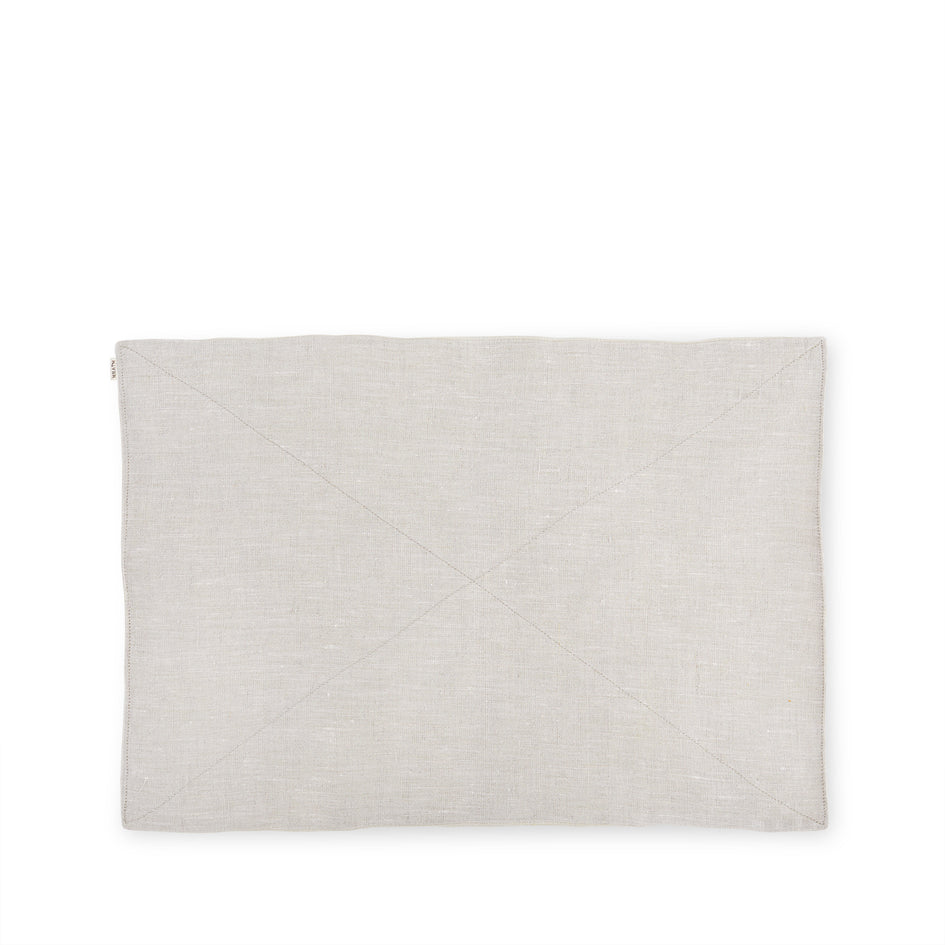 Linen Quilted Placemat in Natural Image 1