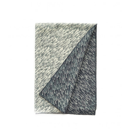 Giboulée Throw in Dark Grey Natural