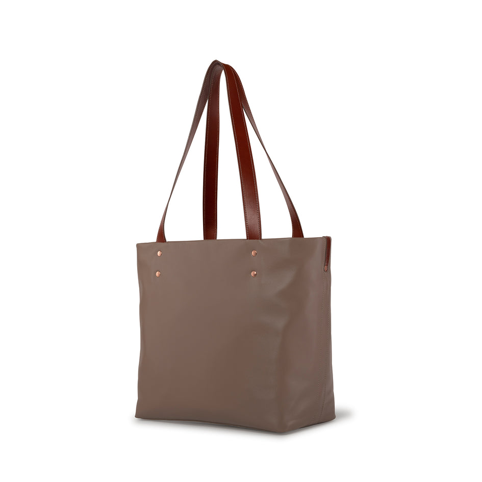 Leather Tote in Barley Image 1