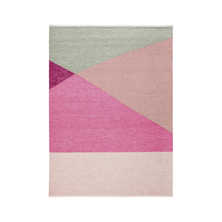 Wool Tuck Rug in Fuchsia