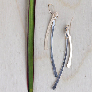 Double Arc Earrings - Minimalist Hammered Bar Dangle Earrings with a Gentle Curve