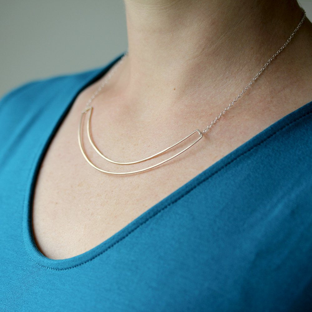 Tuya Necklace - Arced Double Layer Collar Style Design
