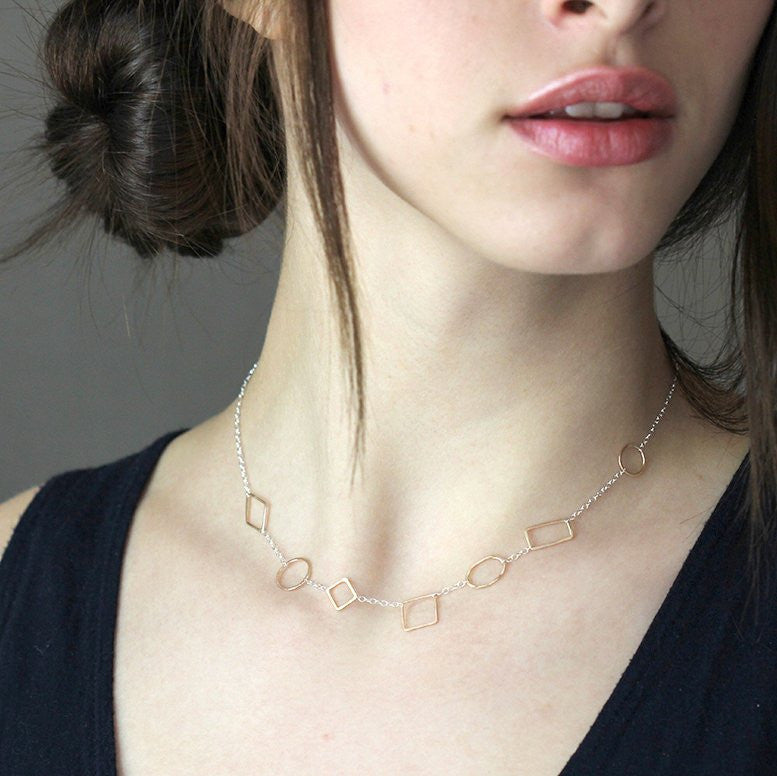 Primer Necklace - Delicate Choker With Multiple Shape Links