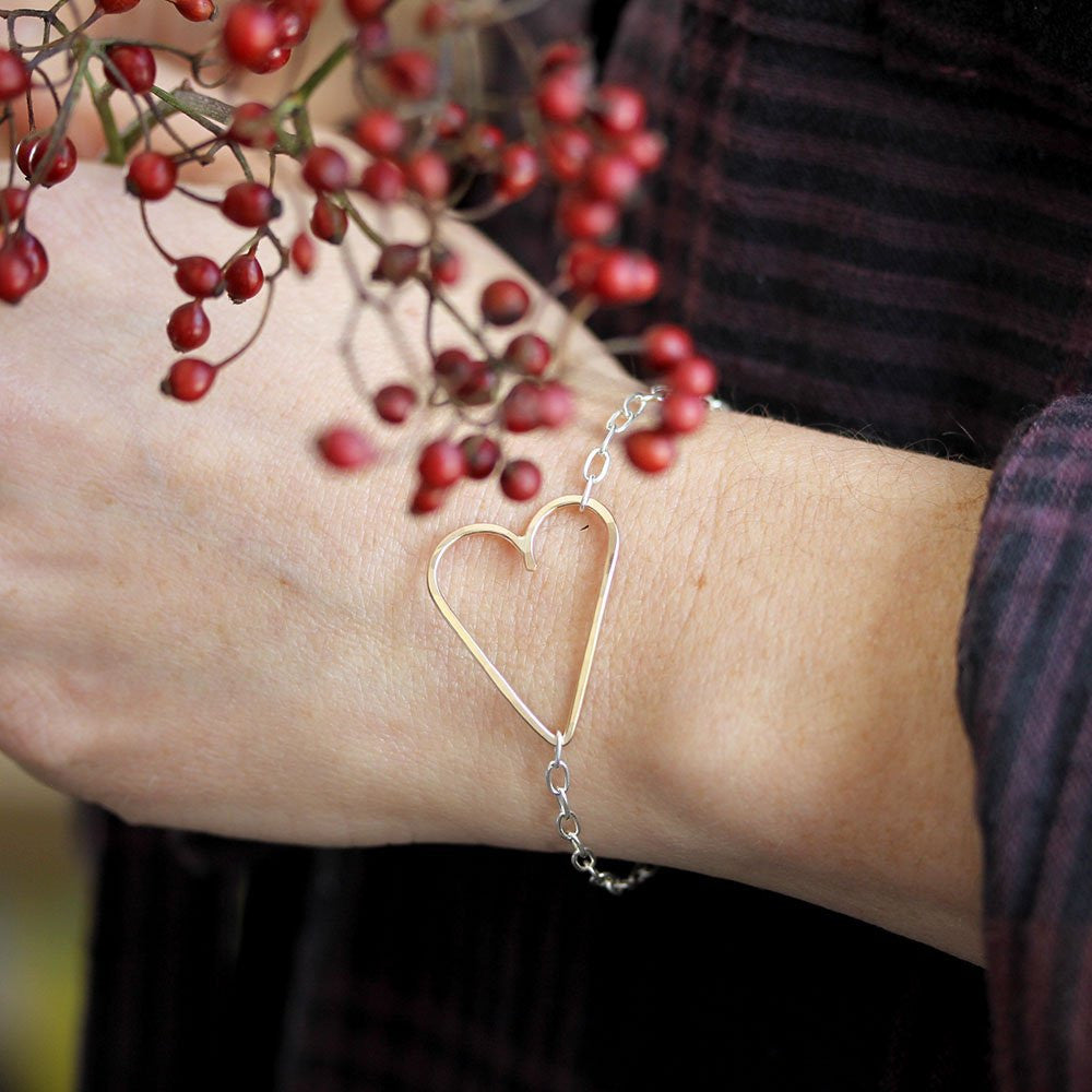 Simple Heart Bracelet - Asymmetrical Open Heart Bracelet