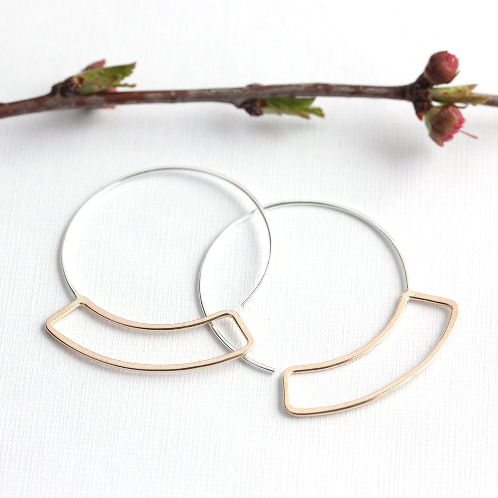 Semna Hoops - Minimal and Modern Curved Rectangle Design