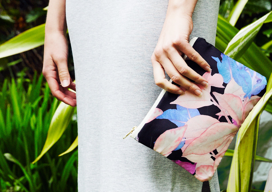 Floral printed bag with model