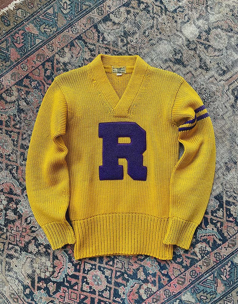 VINTAGE VARSITY SWEATER - GOLD
