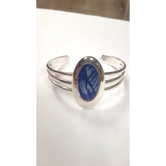 Tri band oval bangle in blue hand painted in bees wax and sealed in glass to make the beautiful cabochon