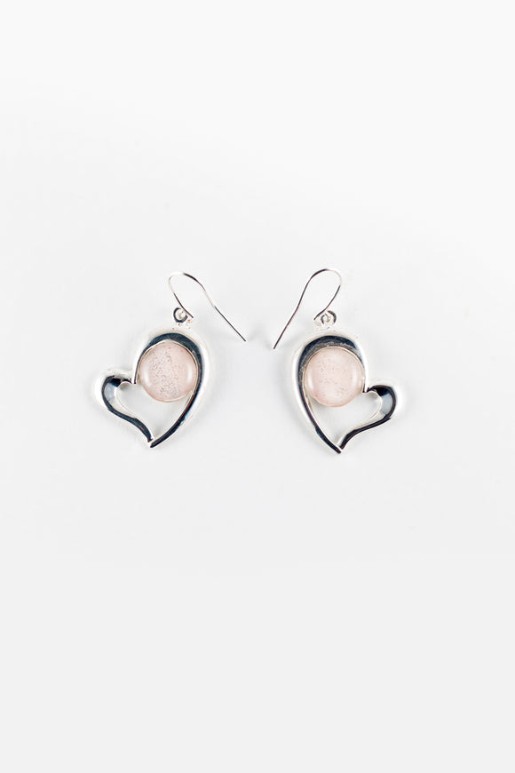 Offset heart pearl pink earrings