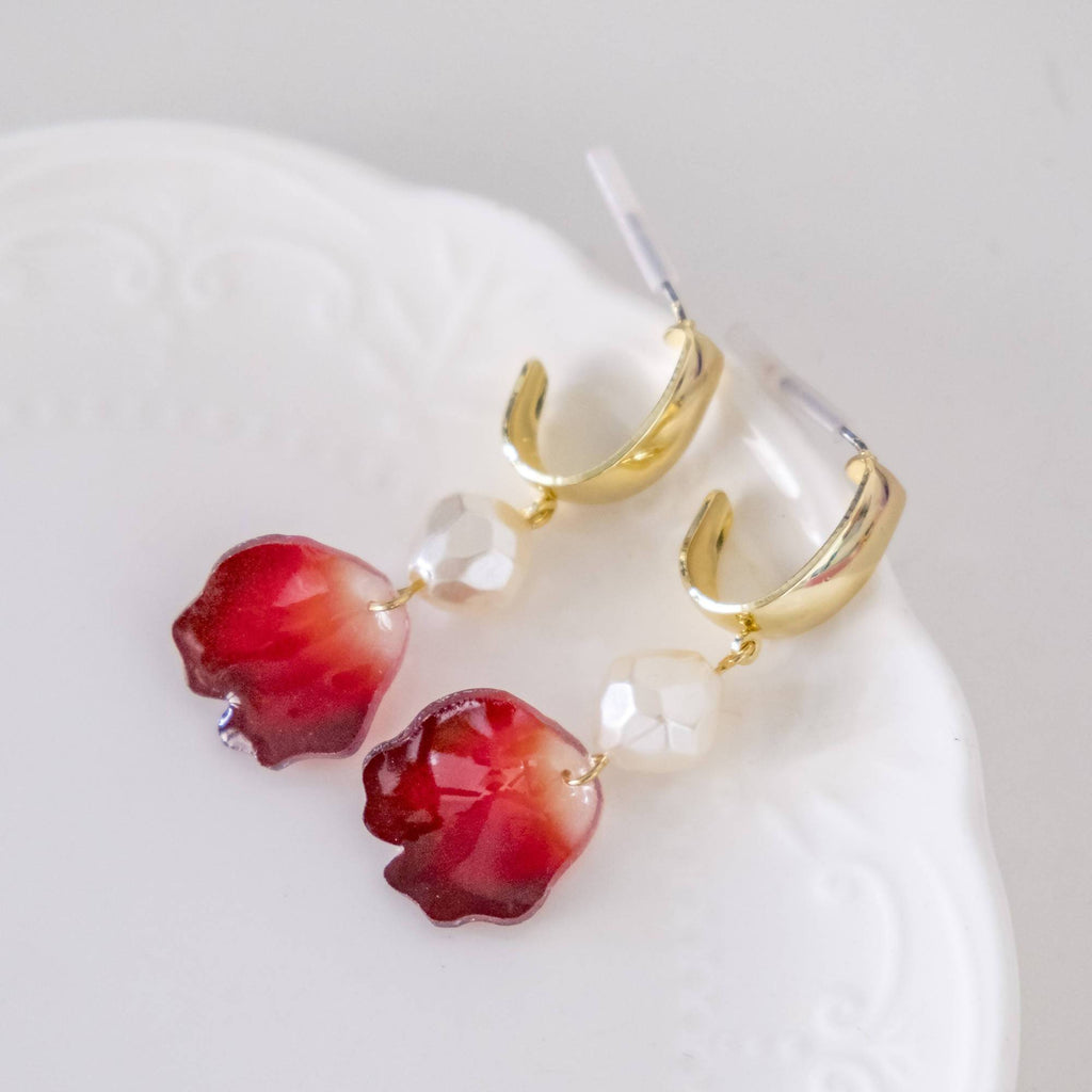 Handmade Rose Petal with Pearl Gold Earring (4-10 working days)