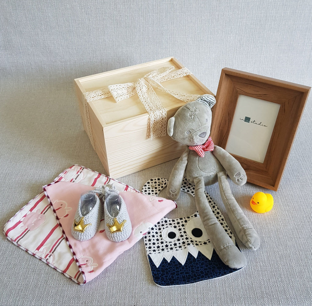 New Born Baby Gift Box - BL02 (Nationwide Delivery)
