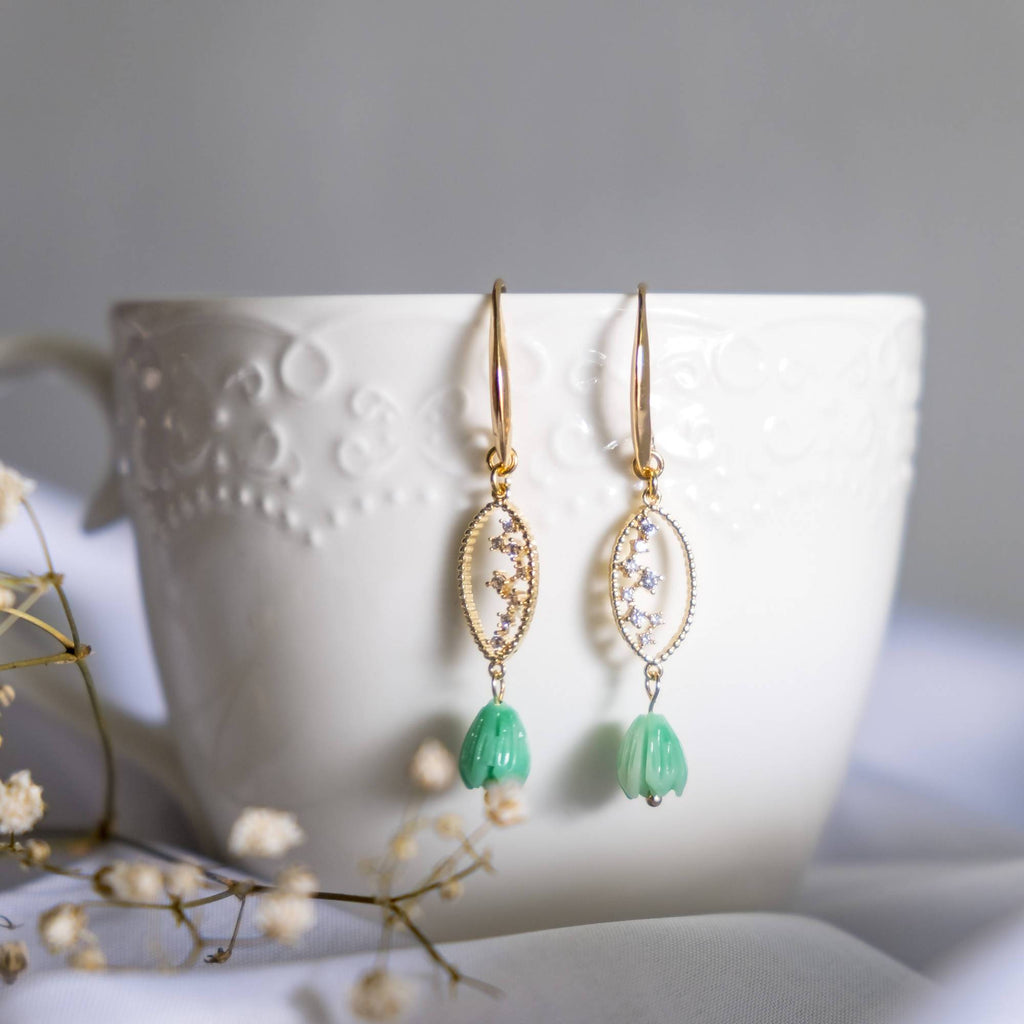 Pastel Fantasy Jade Green Tulip Handmade Earring  (4-10 working days)