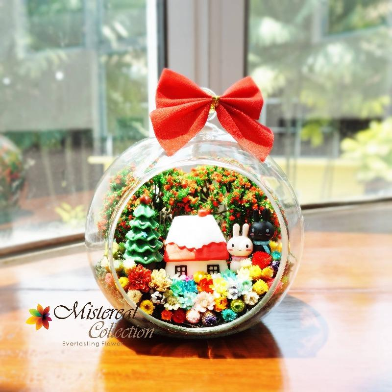 Christmas Bunny with House in Glass