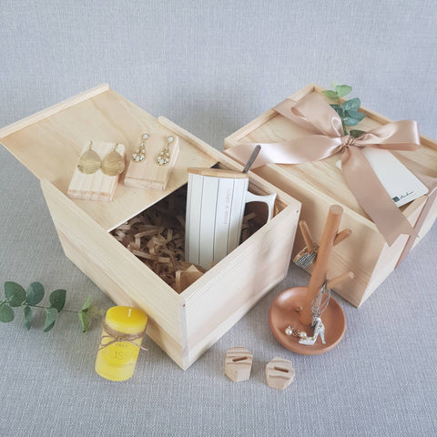 FL02 For Her Gift Box (Nationwide Delivery)