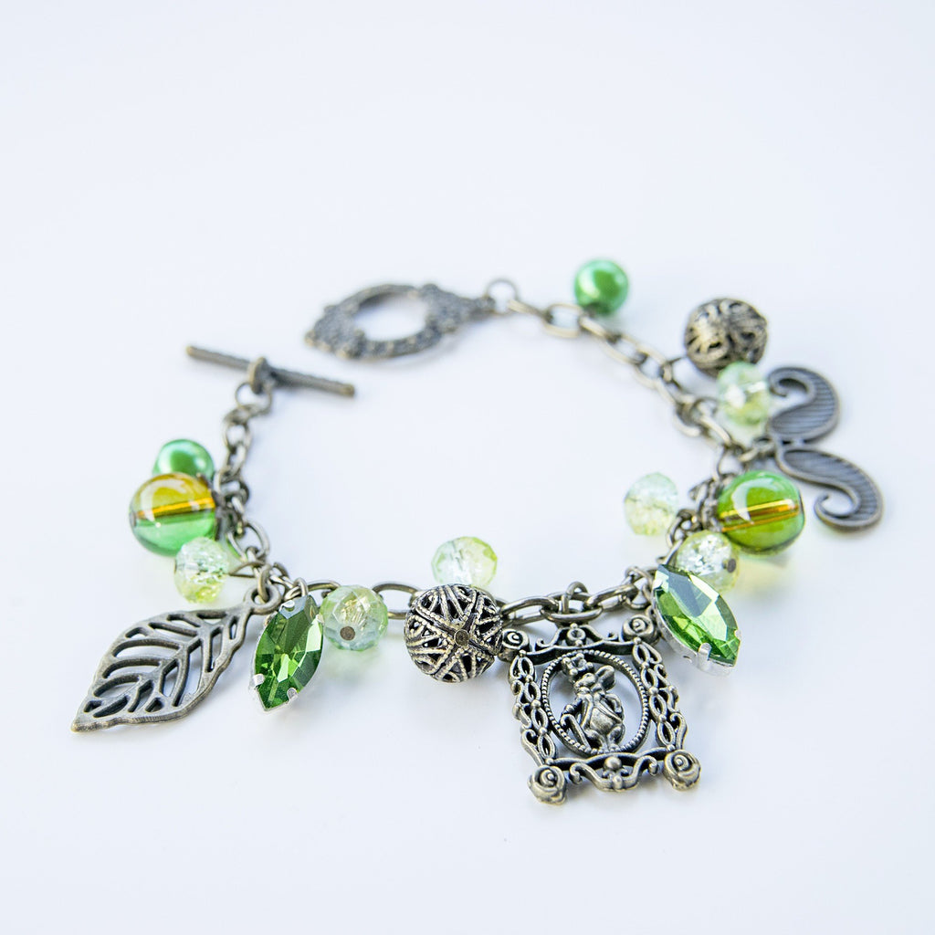Whimsy from the Jungle Necklace and Bracelet Set  (4-10 working days)