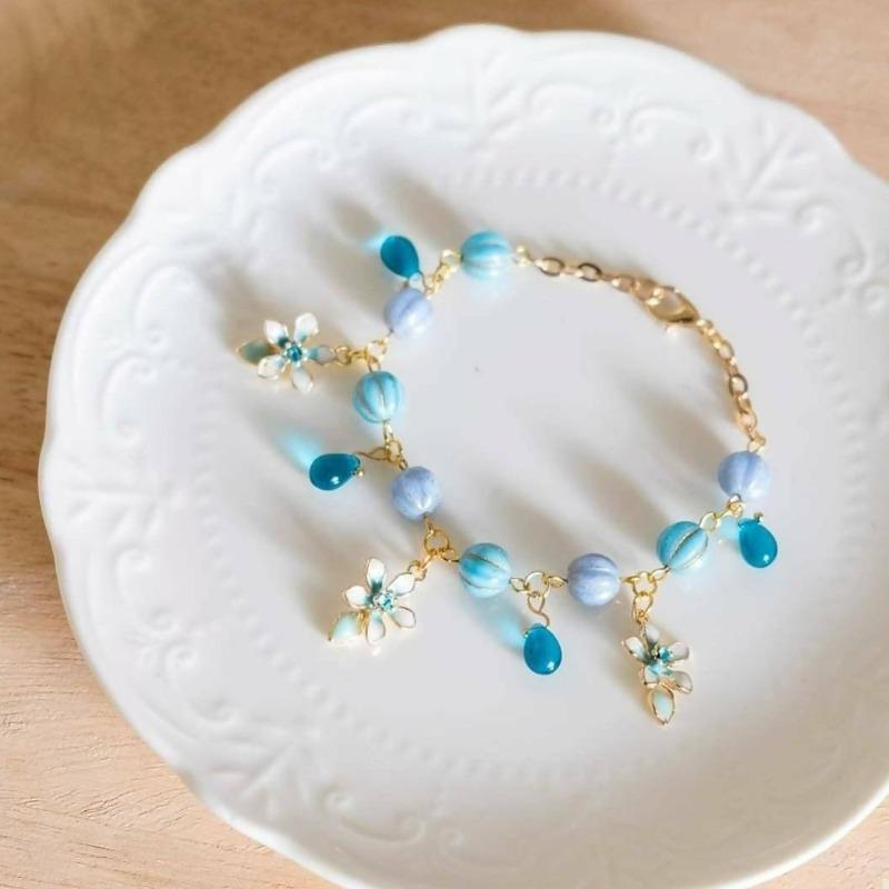 Blissful Flower Blue Handmade Gold Bracelet(4-10 working days)
