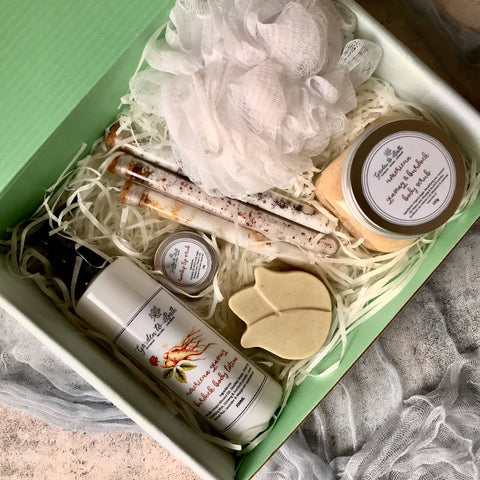Pampering Gift Set for Her (CNY 2021 Edition)