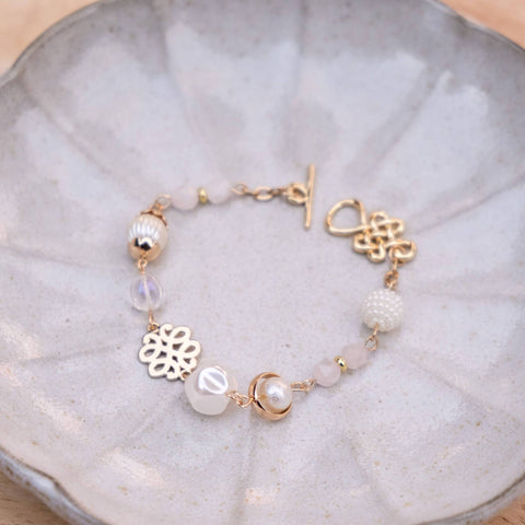Lustrous Pearl Handmade Gold Bracelet #1 (Mother's day 2020)