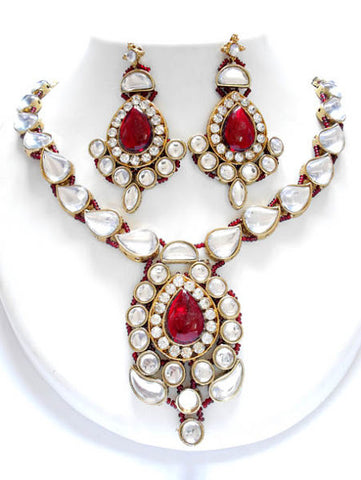 Fancy Maroon Necklace Set
