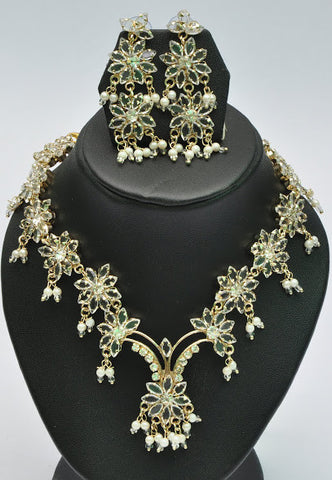 Luxurious Indian Necklace Set