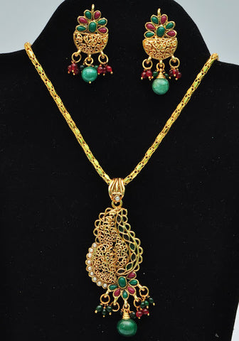 Stylish Indian Gold Necklace Set