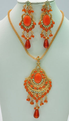 Subtle Orange Necklace Set