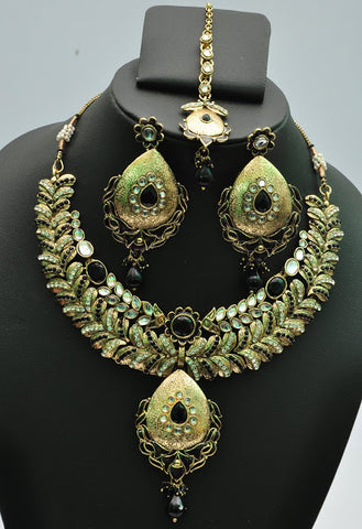 Green Leaf Necklace Set