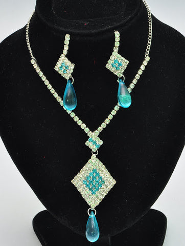 Liquid Blue Necklace Set